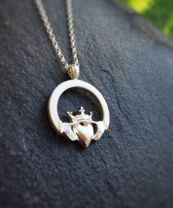 Claddagh with Irish Crown pendant Round